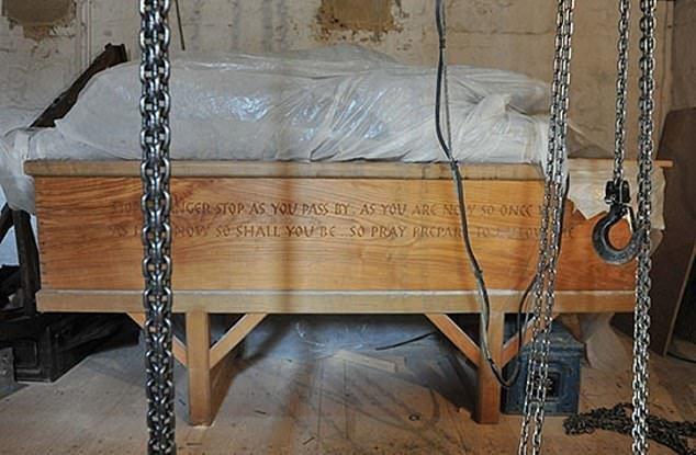 10 самых жутких артефактов в старинных церквях Британии артефакты, великобритания, мумии, путешественнику на заметку, реликвии, скелеты, старинные, церковь