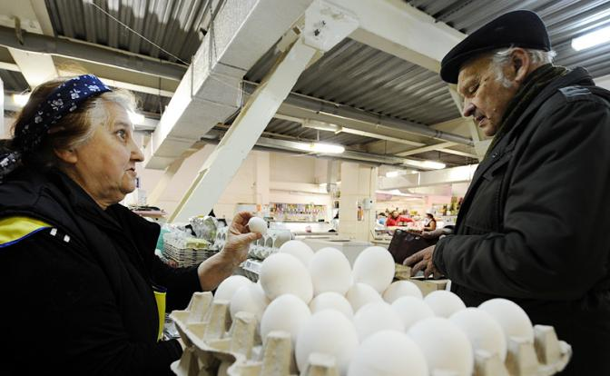 Как в России резко подешевели яйца