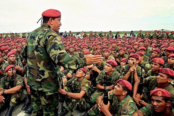 Заручившись поддержкой военных, в 2002 году Чавесу удалось сохранить власть