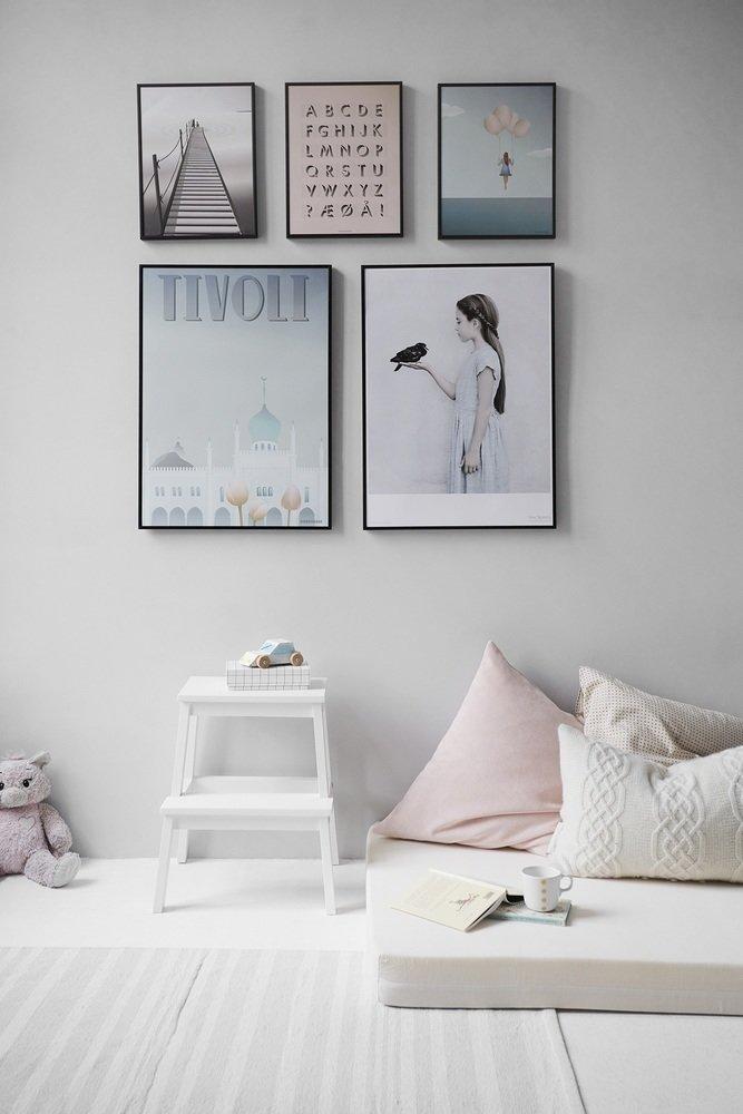 Фотография: Декор в стиле Современный, Советы, Картины, настеннный декор, как развесить картины в гостиной – фото на InMyRoom.ru