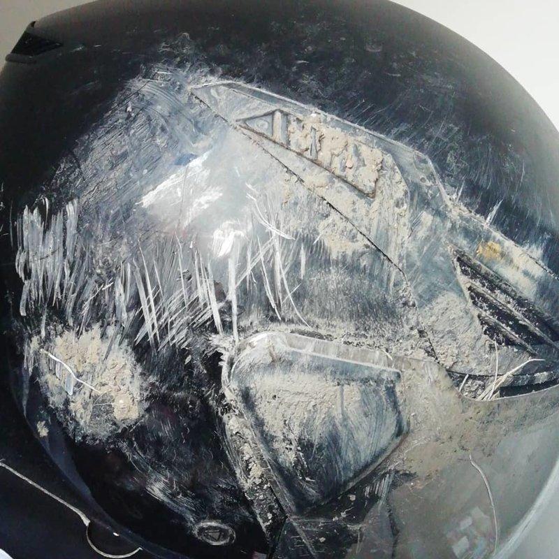 16. Справится и с повреждениями, и с грязью безопасность, береги жизнь, велосипедный шлем, каски, опасно, шлемы, экстрим