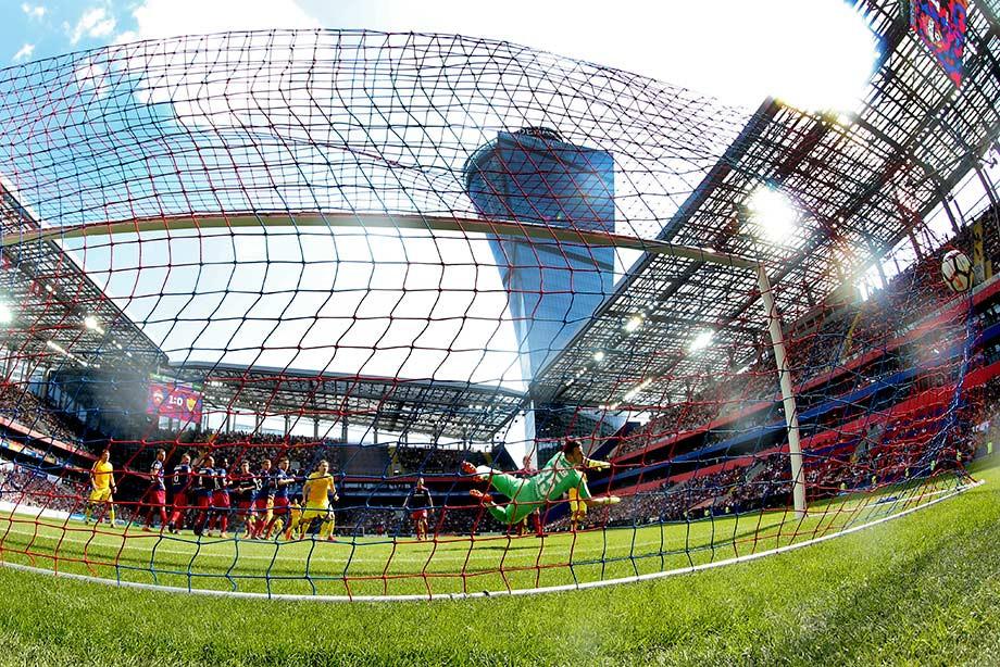 «Спартак» больше всех бил, ЦСКА чаще других подавал угловые. Важные цифры РФПЛ
