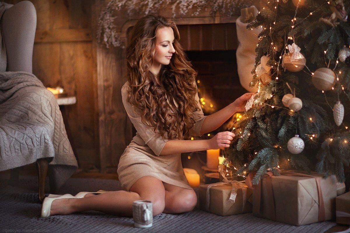 серого как красиво сфотографироваться сидя около елки малого объема