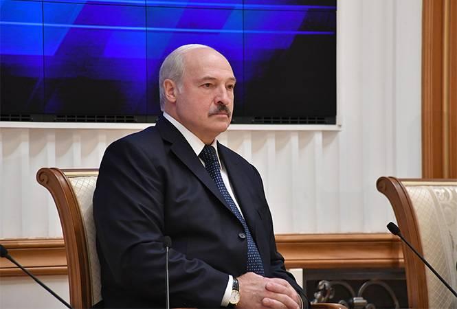 3% или 76%: как относятся к Лукашенко в Белоруссии и за её пределами