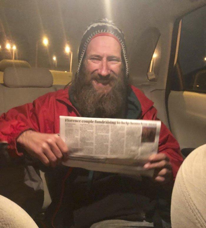 Бездомный отдал последние 20 баксов - и это изменило его жизнь навсегда