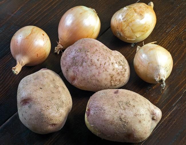 соотношение картофеля и лука для приготовления томленого картофеля с луком
