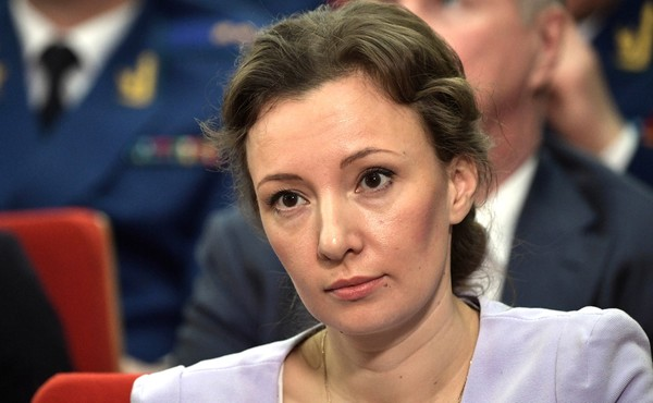 Путин продлил полномочия Куз…