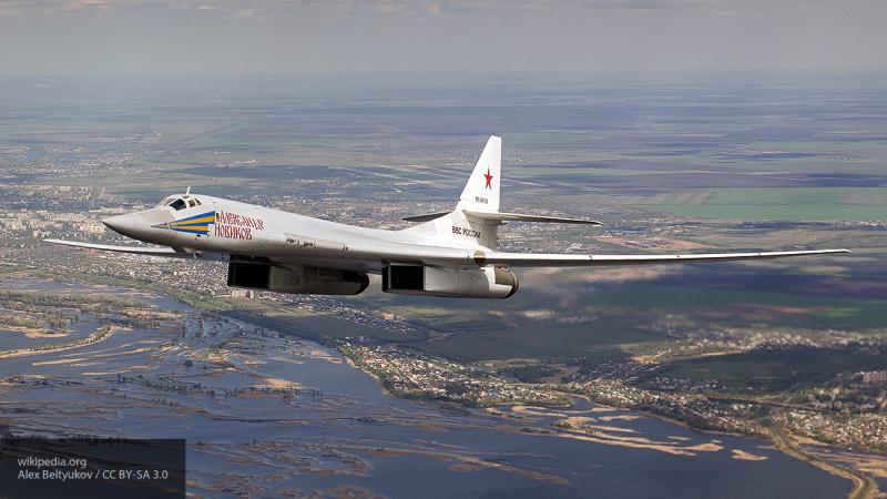 Пролетевшие над нейтральным водами Ту-160 напугали ВВС трех государств