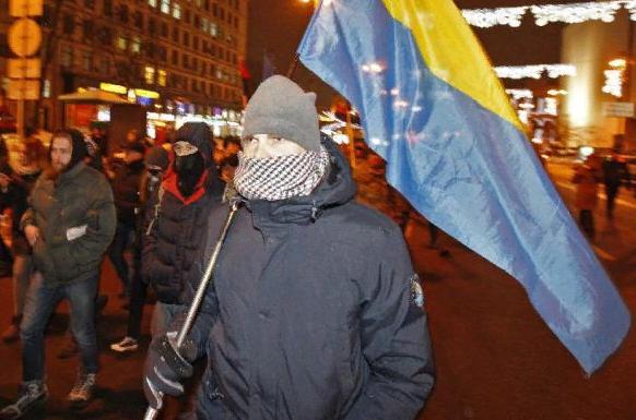 На митинге оппозиции в Тбилиси подняли украинские флаги