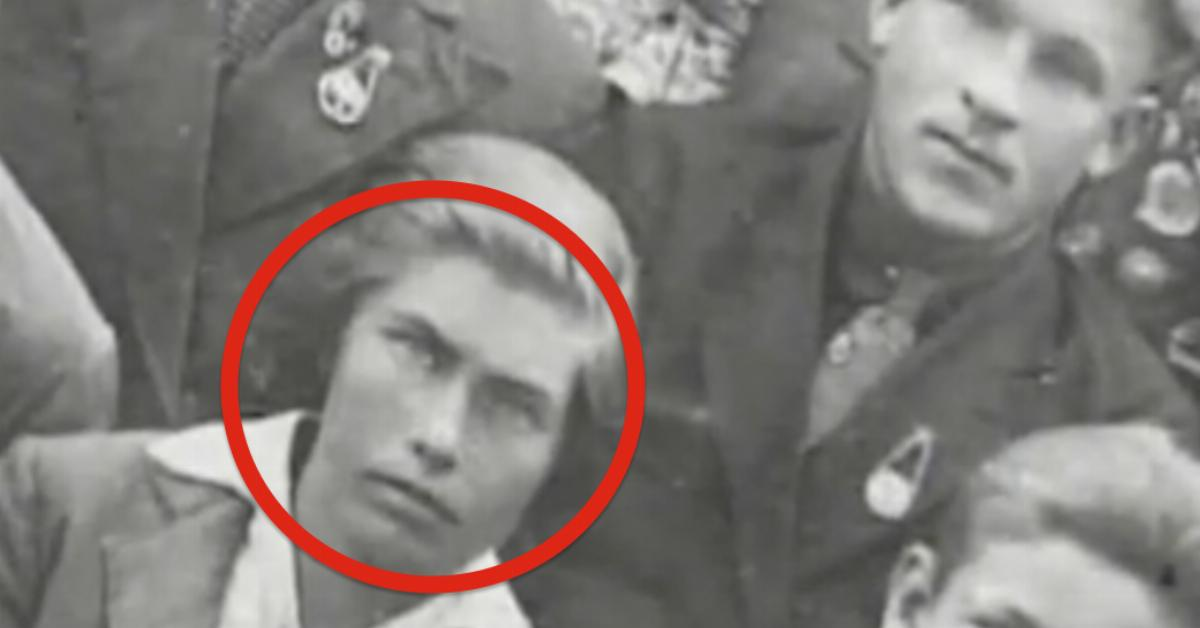 Ночью в концлагере итальянец тайно срезал ее волосы. Через 65 лет он вернул их своей любимой