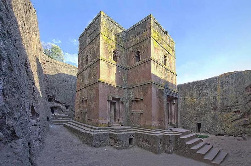 Храм Георгия Победоносца в Лалибэле Эфиопия