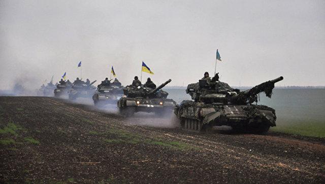 Киев уже два года готовится к вторжению в ДНР и ЛНР, считает депутат ГД