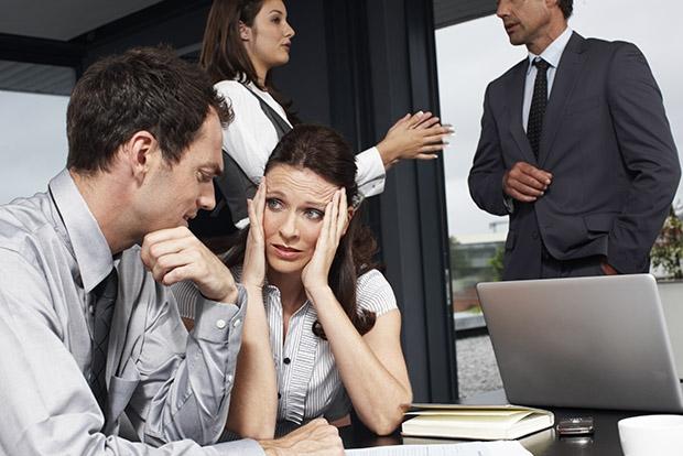 Привычка, которая бесит всех в офисе