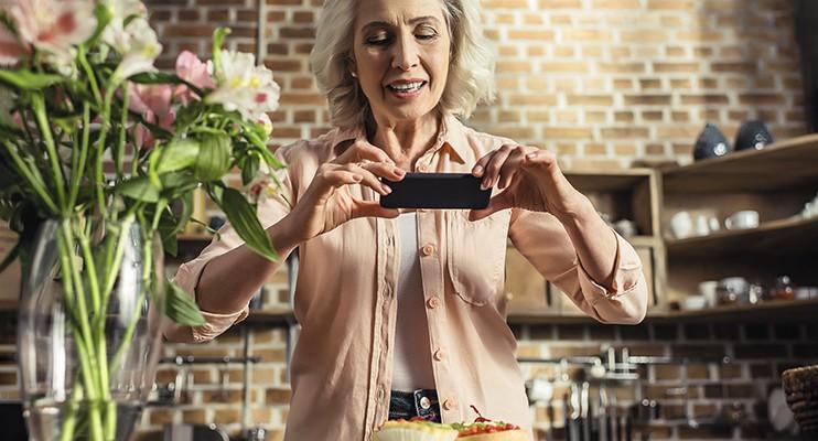 Жизнь 70+ Как помочь пожилым родственникам