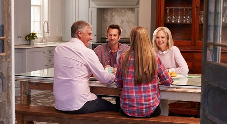 3 семьи в одной квартире...