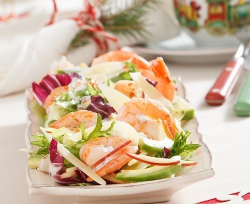 8 легких салатов, которые не испортят талию в праздники