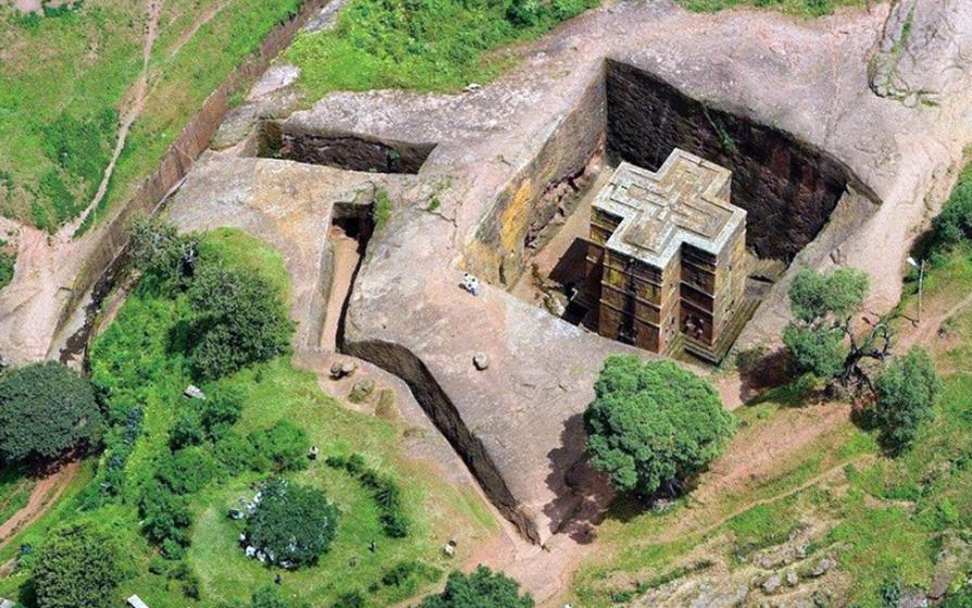 храм Лалибэла форме креста