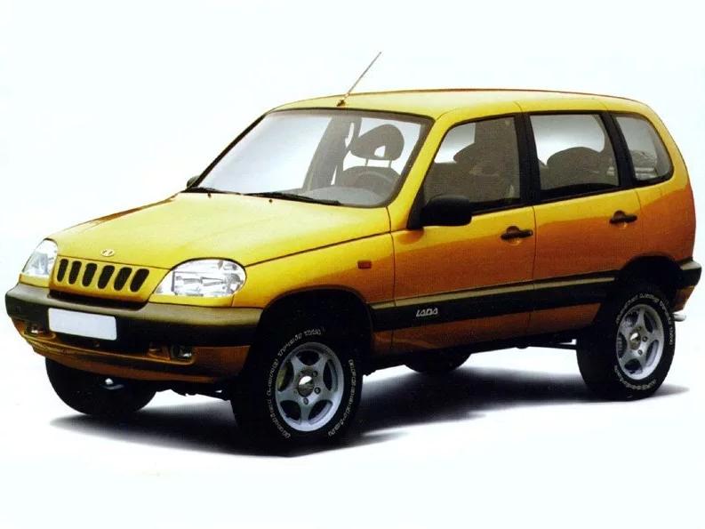 «Тогда ещё можно было купить новую машину за 70 000 рублей». Показываю цены на отечественные авто в 2002 году авто,авто и мото,автосалон,история,машины,прошлый век,СССР