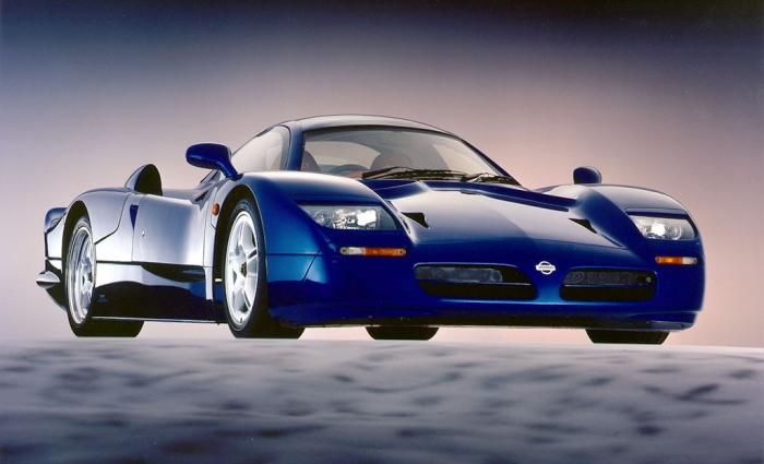 Единственный дорожный экземпляр суперкара Nissan R390.