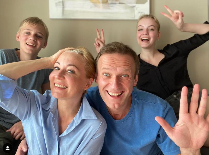 Цены на рейс Навального на родину резко выросли из-за интереса пассажиров