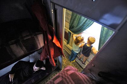 Россиянам разрешат оставлять детей проводникам поездов