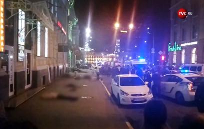 Водитель влетевшего в толпу внедорожника в Харькове ехала на красный свет