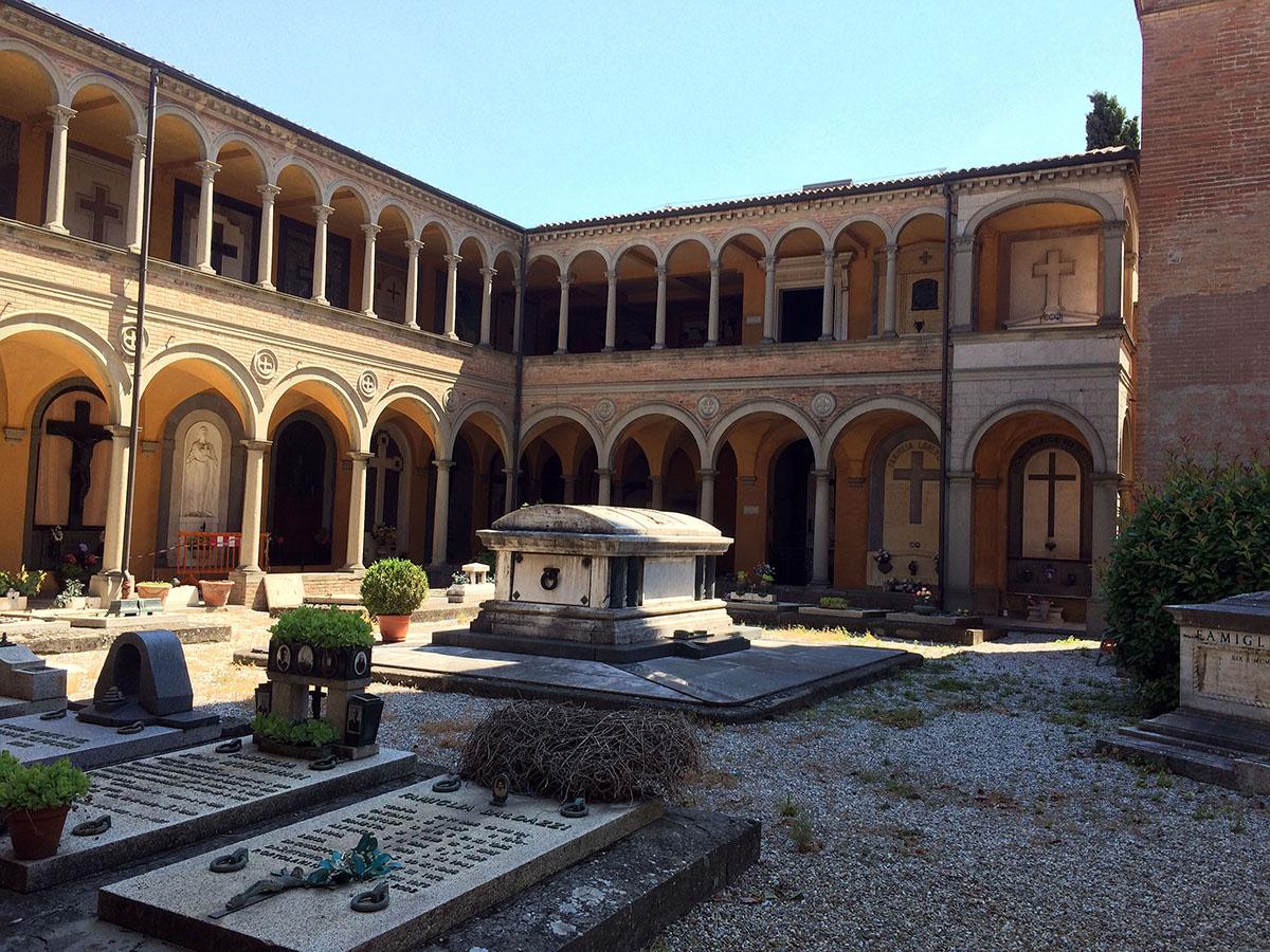 Монументальное кладбище Чертоза вБолонье заграница,история,мир,путешествия,тур,туризм