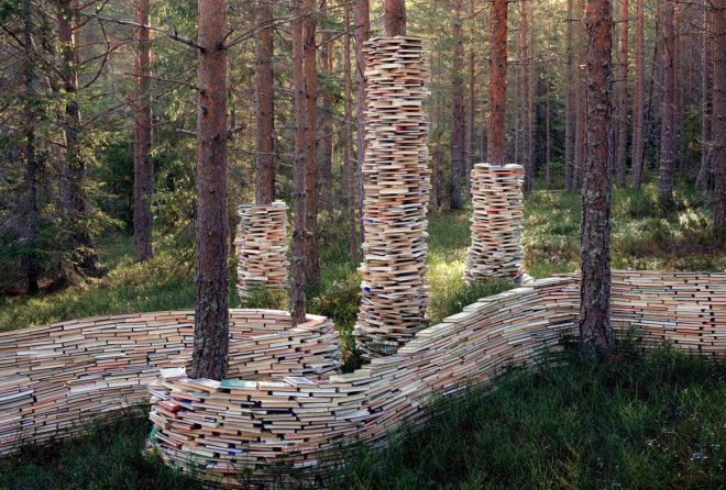 Сюрреалистичный мир из книг и светильников от норвежского художника