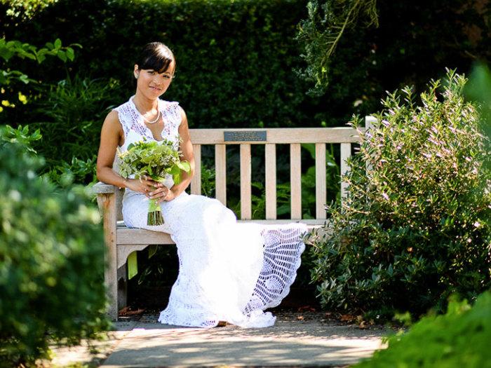Креативная экономия: свадебное платье, связанное крючком по дороге на работу