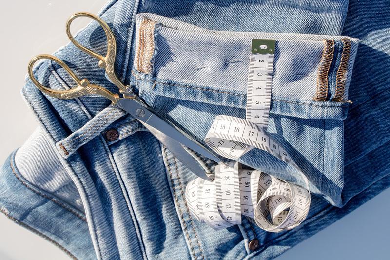 Что сделать из старых джинсо…