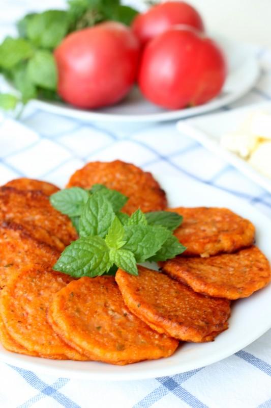Оладьи из помидоров  выпечка,греческая кухня,кулинария,овощные блюда
