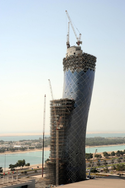 capital_gate_abu_dhabi_construction05.jpg