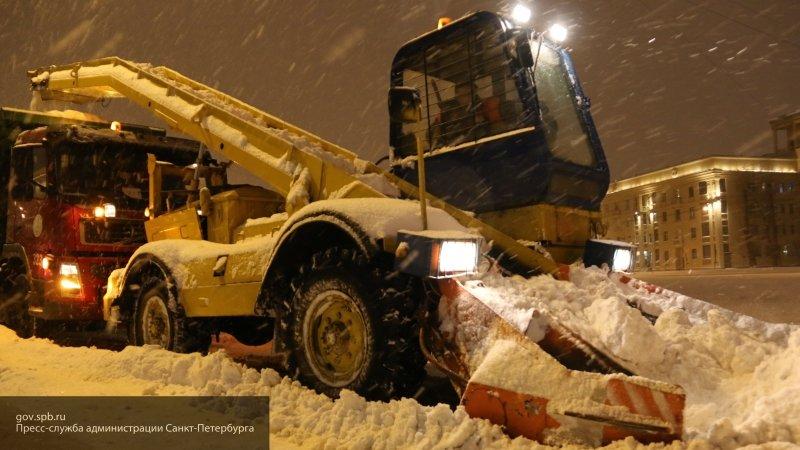 Для уборки снега в Петербурге задействовано более 1200 машин