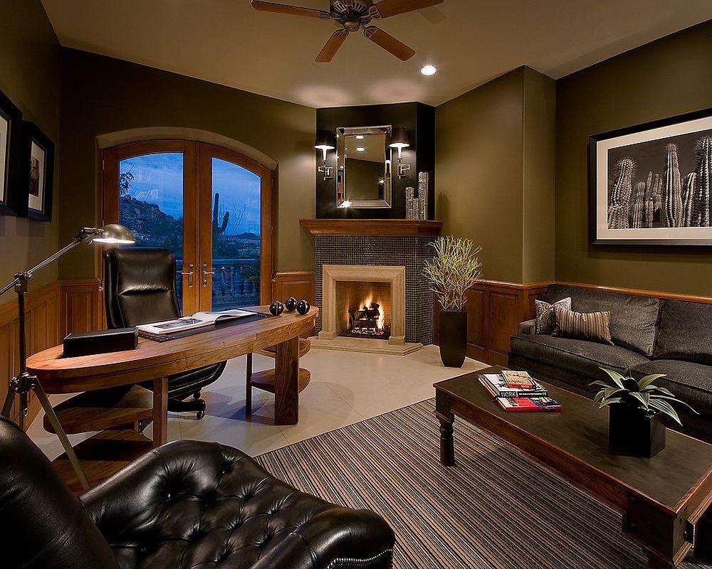 Домашний мини-офис с камином