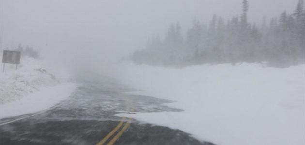 Мужчина на Аляске застрял в снежном заносе и 3 дня выживал на 3 банках пива Герои