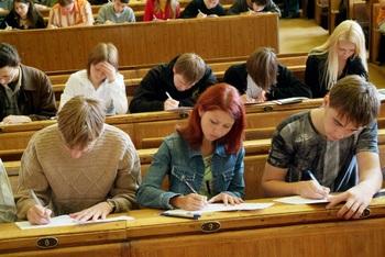 Максимальный балл по ЕГЭ получили школьники Подмосковья