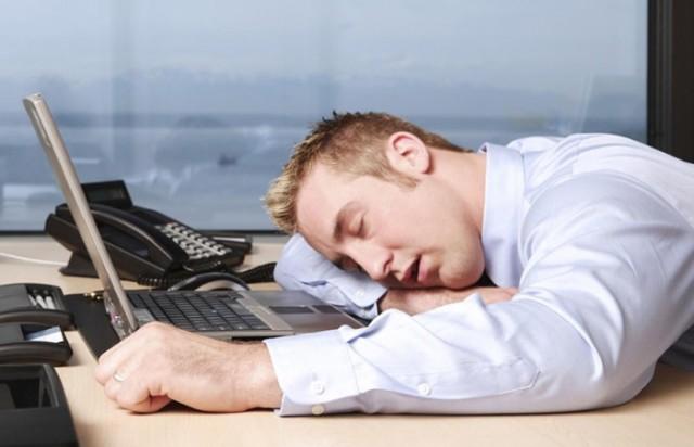 Почему после обеда человека клонит в сон
