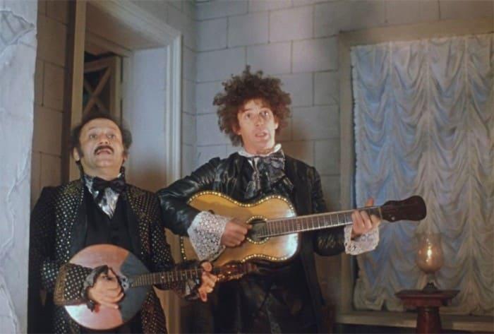 Александр Абдулов и Семен Фарада в фильме *Формула любви*, 1984 | Фото: dubikvit.livejournal.com