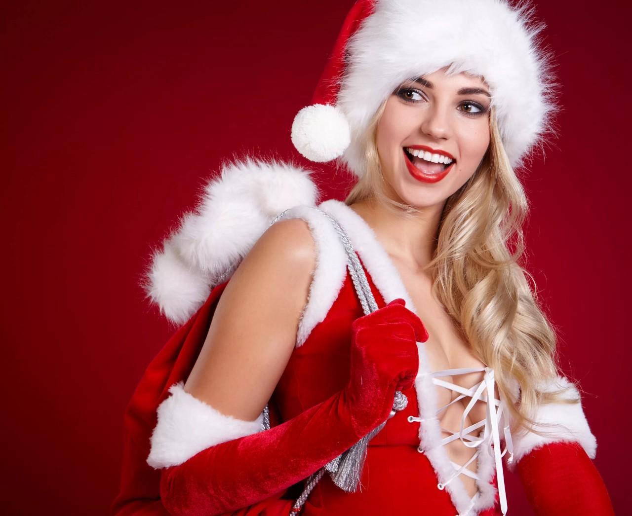Фото красивых девушек в костюме снегурочки