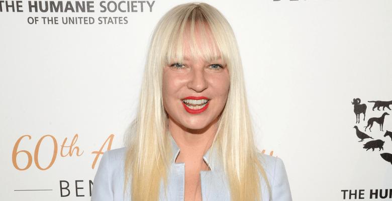 Против фильма певицы Sia соб…