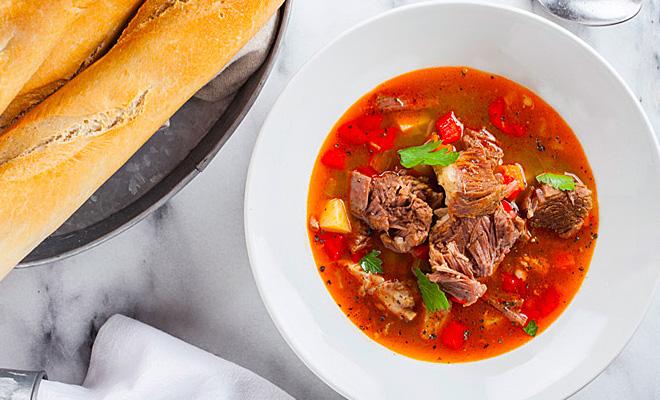 Как приготовить ароматный суп-гуляш