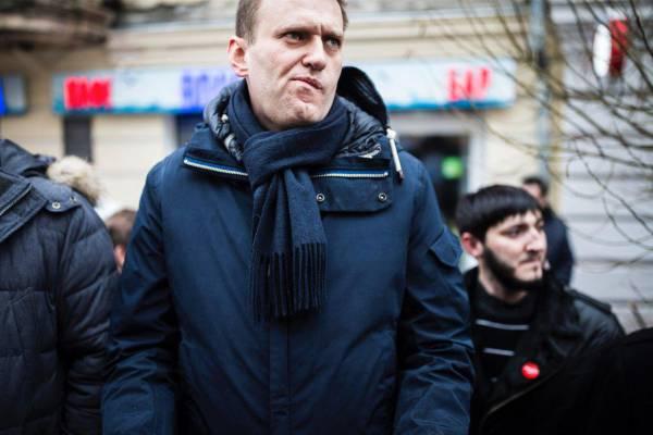 Навальный пляшет под дудку Демпартии США – блогер осудил Трампа в преддверии президентских выборов 2