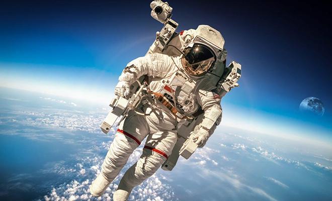 Как проходят 3 часа, когда космонавты спускаются с орбиты на Землю: видео