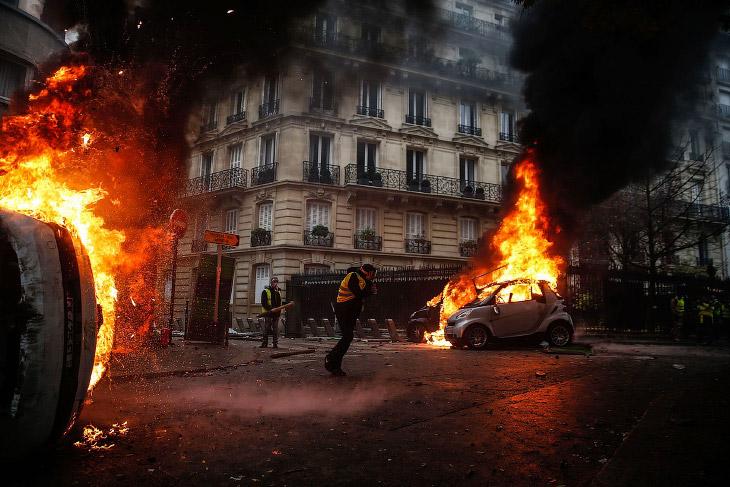 Массовые протесты в Париже 2018