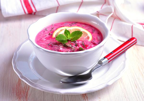 Шесть рецептов холодных супов для жаркого лета