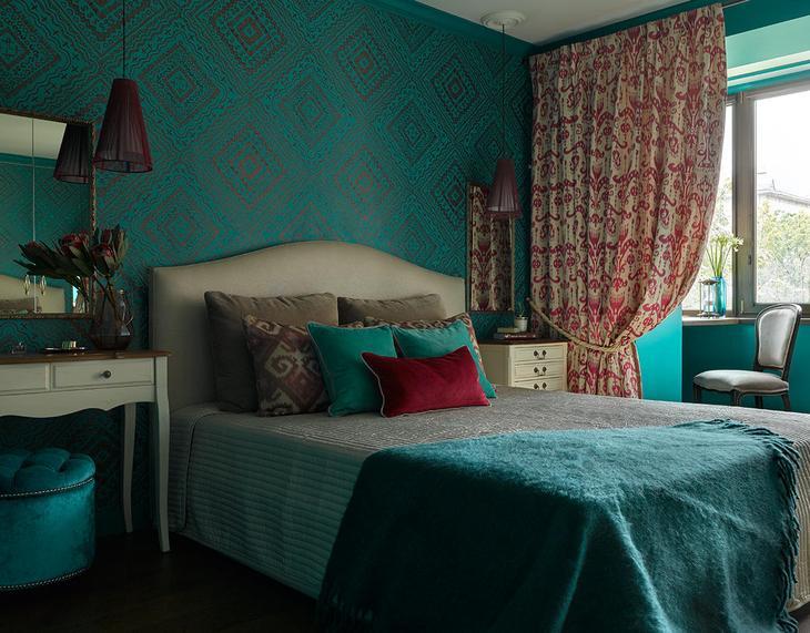 Спальня в цветах: Бежевый, Бирюзовый, Голубой, Темно-зеленый. Спальня в стиле: Неоклассика.