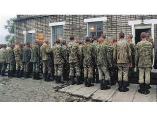 Массовый расстрел в армии и его сторонники: что случилось? армии, армию, может, только, принято, является, стрелявшего, служба, службы, офицеры, солдата, после, традиция, заявления, следствие, стали, знают, воинских, петиции, обороны