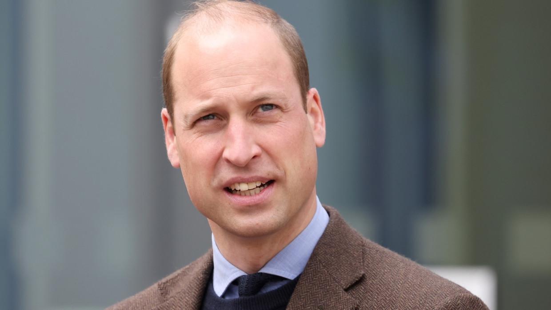 Принц Уильям преподнес девушке-боксеру торт на день рождения Общество