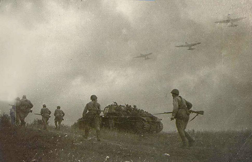 Первый день войны в фотографиях