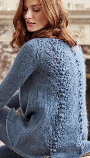 Простой пуловер с красивой спинкой
